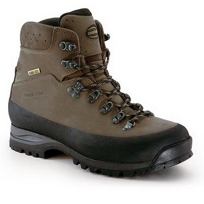 Элитные мужские туфли должны быть изготовлены из натуральных материалов...
